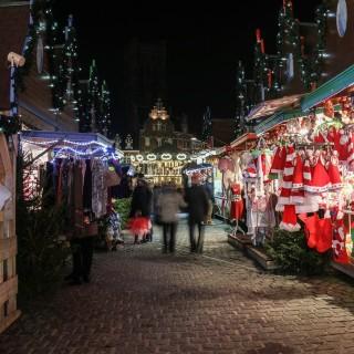 Julstämning med julmarknad