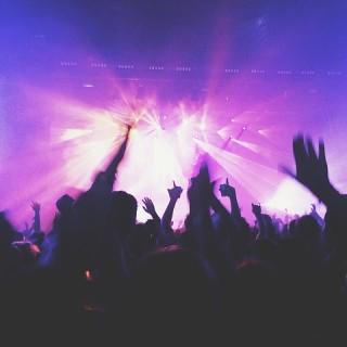 Gå på nattklubb i London!