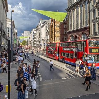 Shopping på Oxford Street är något som lockar svenskarna