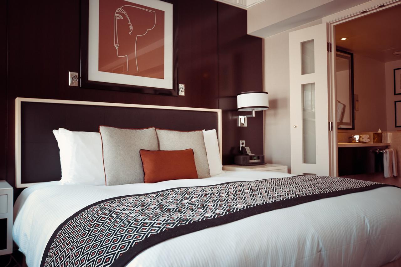 Drömjobbet – sängtestare på lyxhotell