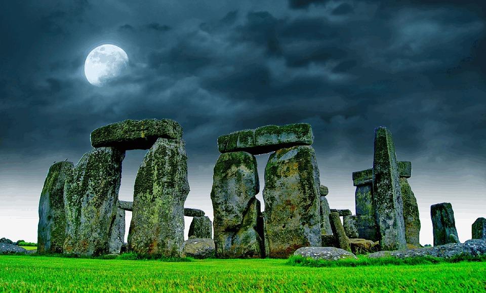 Ta dig utanför London, besök Stonehenge!