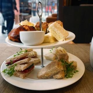 Upplev äkta afternoon tea i London